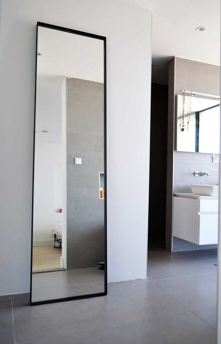 Handgemaakte stalen spiegel zwart, helder glas