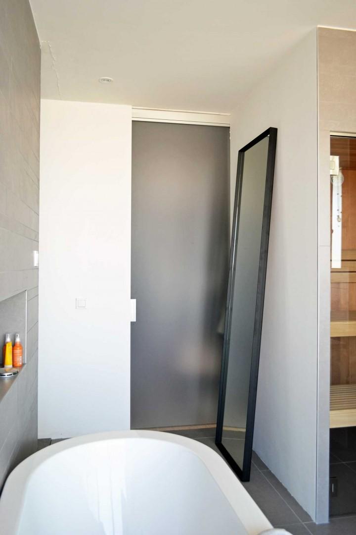 Handgemaakte stalen spiegel zwart badkamer