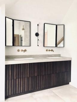 Frontstaal stalen spiegels met luik | Studio Paradis | villa Hilversum