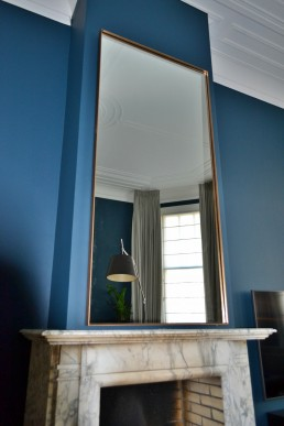 Frontstaal stalen spiegel brons, helder glas op maat gemaakt | Herenhuis Den Haag