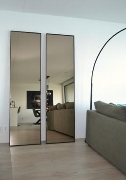 Frontstaal XL stalen spiegels zwart met gebronsd glas | Appartement Amsterdam