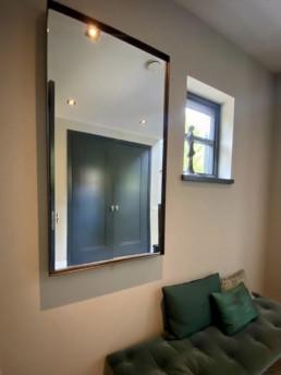Frontstaal spiegel op maat | Donkerbrons, helder glas